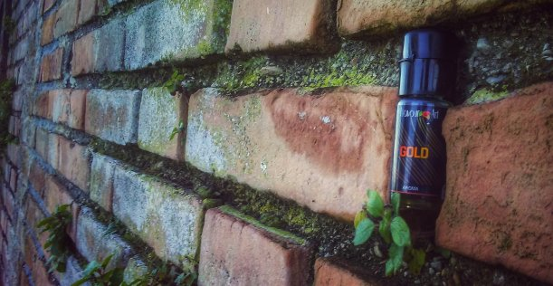 RECENSIONE AROMA SIGARETTA ELETTRONICA FLUO GOLD FLAVOURART BY FEDEZ