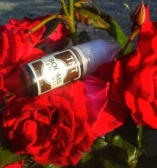 RECENSIONE AROMA ECIG TNT VAPE BOOMS COFFEE